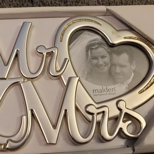 NEW WEDDING PICTURE FRAME